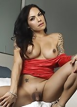 Seductive Foxxy in hot red dress