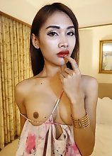 24 year old Thai ladyboy sucks off her white tourist friends fat cock